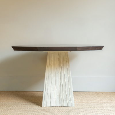 Leyland Table